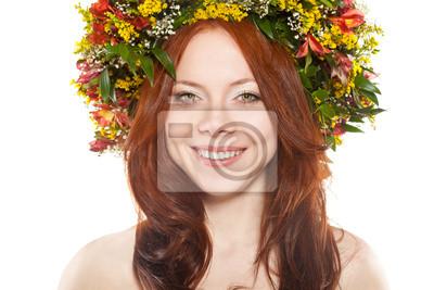 une gerbe de fleurs sur la tête sur fond blanc
