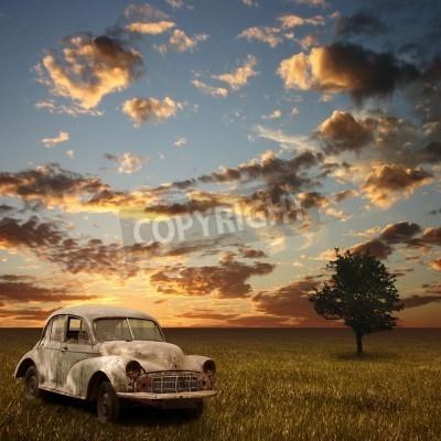 Image Une voiture abandonnée Vieille avec Sunset