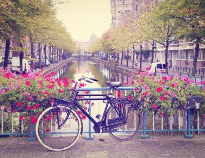 Image vélo sur un pont