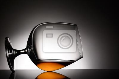 Verre à cognac sur son côté