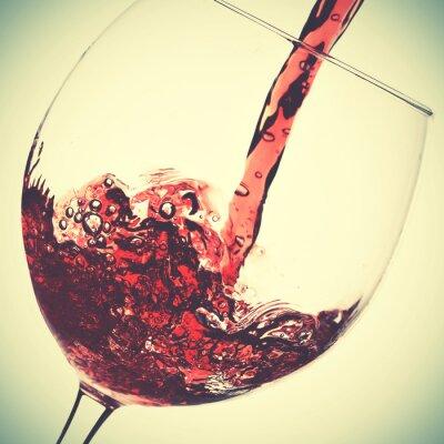 Image Verser de vin rouge