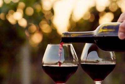 Image Verser le vin rouge