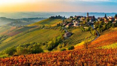 Image Village italien de la région des Langhe en Italie