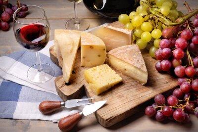 Image Vin rouge, le raisin et fromage