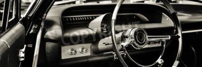 Image Voiture classique photographiée du côté du conducteur