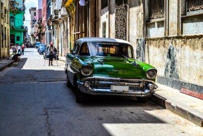 Image Voitures américaines et soviétiques 1950 - 1960 de La Havane.