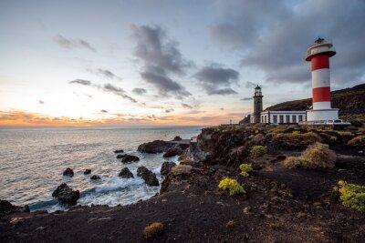 Image Volcanique paysage avec phare près de sal usine Fuencaliente sur l'île de La Palma en Espagne