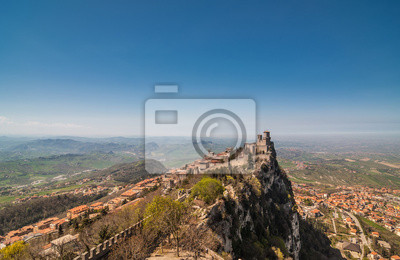 Vue panoramique Forteresse de Guaita (Rocca della Guaita), château i