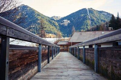 Image Vue sur les montagnes depuis le pont