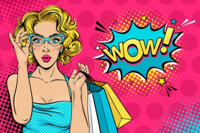 Image Wow visage de femme. Sexy surprise jeune femme dans des verres à la bouche ouverte et cheveux bouclés blonds tenant des sacs à provisions et Wow! bulle. Vecteur fond clair dans le style comique rétro
