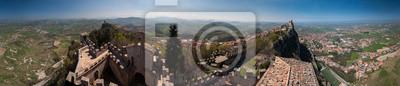 Panorama de 360 degrés (Diarama) Vue sur la ville et les tours de Saint-Marin