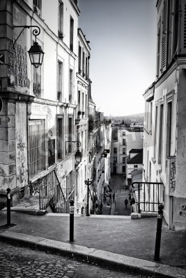 Papiers peints A little street in Montmartre  Paris, France