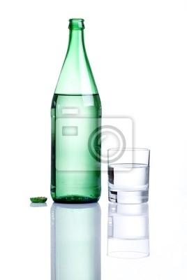 acqua dans bottiglia