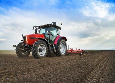 Papiers peints Agriculteur en tracteur préparation de terrains destinés à l'ensemencement