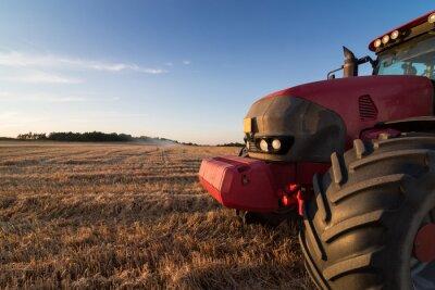 Papiers peints Agriculture tracteur sur un champ de chaume