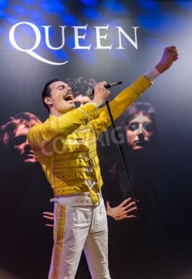 Papiers peints AMSTERDAM, PAYS-BAS - 25 AVRIL 2017: statue de cire Freddie Mercury au musée Madame Tussauds le 25 avril 2017 à Amsterdam Pays-Bas.