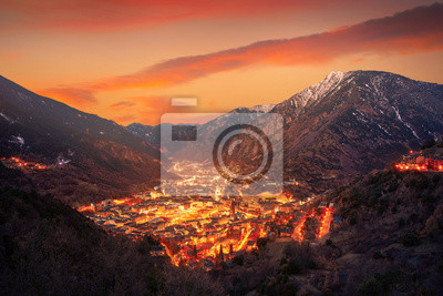 Papiers peints Andorra la Vella skyline at sunset Pyrenees