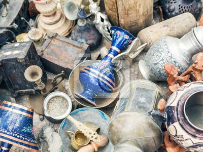 Antiquités au-marché aux puces