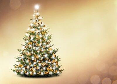 Arbre de Noël en face de fond d'or