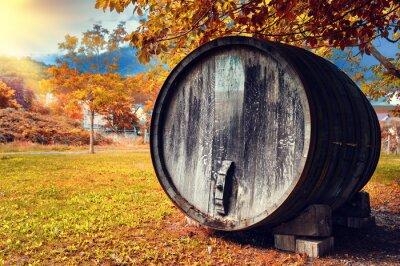Papiers peints Automne, paysage, vieux, bois, vin, baril