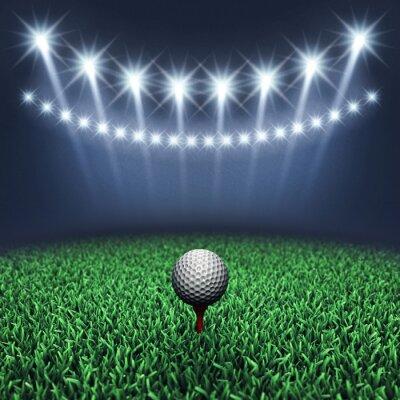 Papiers peints Balle de golf sur l'herbe et les projecteurs, Tournoi de golf, Terrain de golf