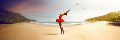 Papiers peints Ballet Dancer at the beach