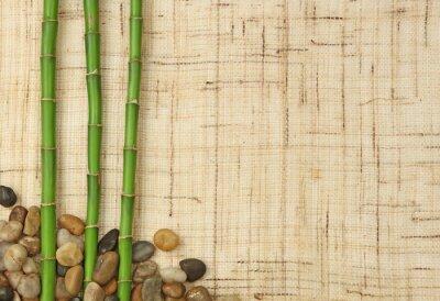 Papiers peints bambou et cailloux sur fond de toile de jute