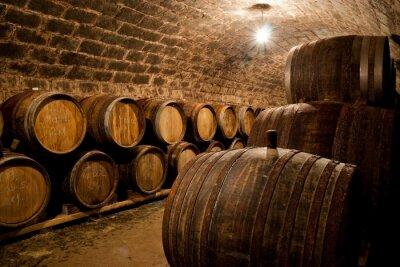 Papiers peints Barils dans une cave à vin hongrois