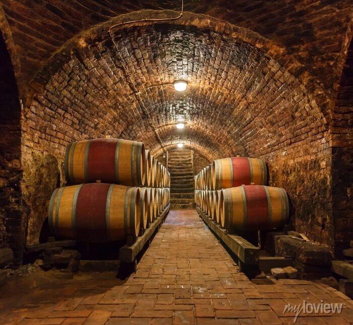 Papiers peints Barriques de chêne dans une cave souterraine