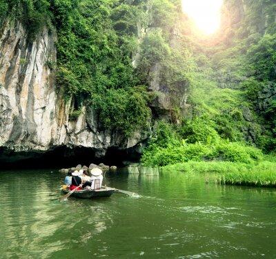 Papiers peints Bateau touristique le plus populaire au Vietnam.