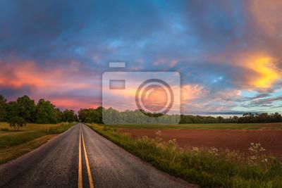 Papiers peints Beau ciel avec route de campagne