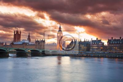 Papiers peints Beau coucher de soleil dans la ville de Londres avec l'horizon de Big Ben
