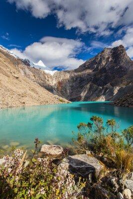 Papiers peints Beau paysage de montagne dans les Andes, au Pérou, Cordiliera Blanca