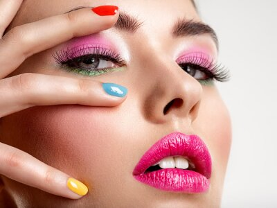Papiers peints Beautiful fashion woman with a colored nails. Attractive white girl with multicolor manicure.