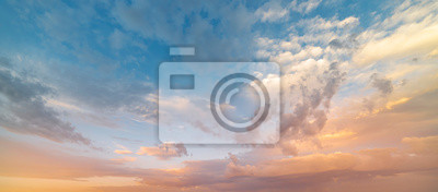 Papiers peints Beautiful sunset sky. Nature sky backgrounds.