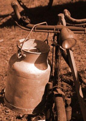 Papiers peints Bicyclette du siècle dernier utilisé pour transporter le lait