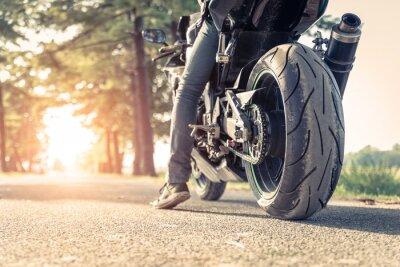 Papiers peints biker and motorbike ready to ride