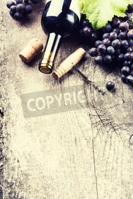 Papiers peints Bouteille, sombre, vin, raisin, bouchons, vieux, bois, fond