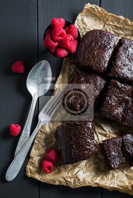 Brownies faits maison avec framboises fraîches