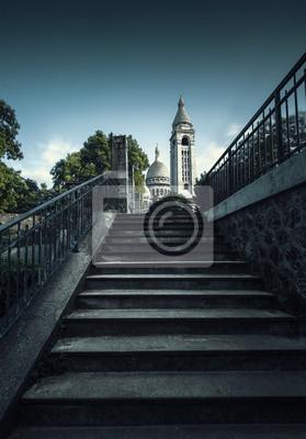 Papiers peints Cathédrale en haut d'un escalier