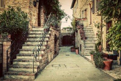 Papiers peints Charmante architecture médiévale dans une ville de Toscane, en Italie.