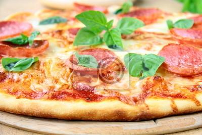 Chaud frais pizza pepperoni - gros plan