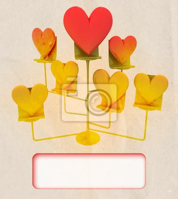 chevalet avec le modèle de carte de coeurs d'or et rouge