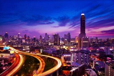 Papiers peints Circulation dans la ville moderne de nuit, Bangkok, Thaïlande