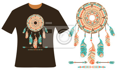 Conception pour votre t-shirt. Dreamcatcher, plumes et flèches. Style boho. Illustration vectorielle dessinée à la main.