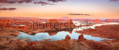 Papiers peints Coucher de soleil doré au lac Powell, Utah, États-Unis.
