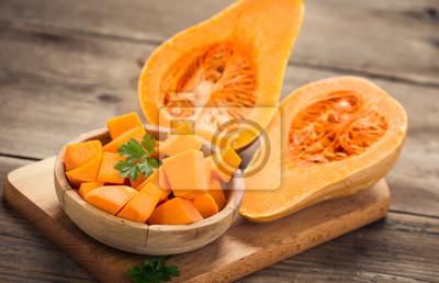 Courge moutarde sur la table en bois