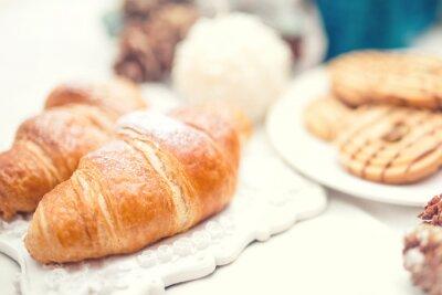 Papiers peints Croissants frais délicieux et savoureux repas que le petit déjeuner