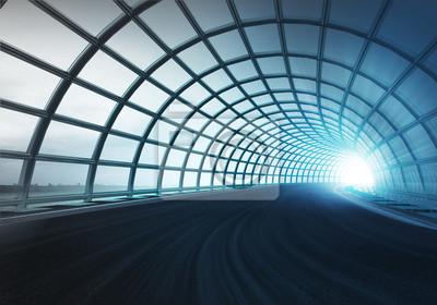 croix tunnel de la construction de la voûte long de la piste de vitesse