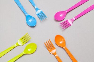 Papiers peints cuillère et fourchette en plastique, le partage